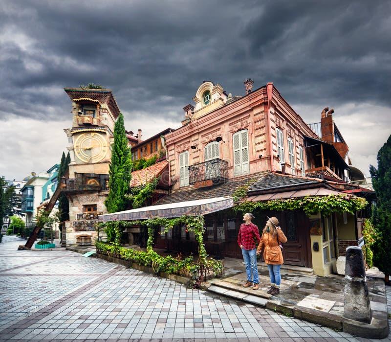 Couples de voyageur à Tbilisi photos libres de droits
