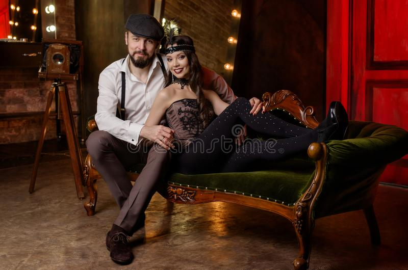 Couples des acteurs dans le vestiaire photos libres de droits