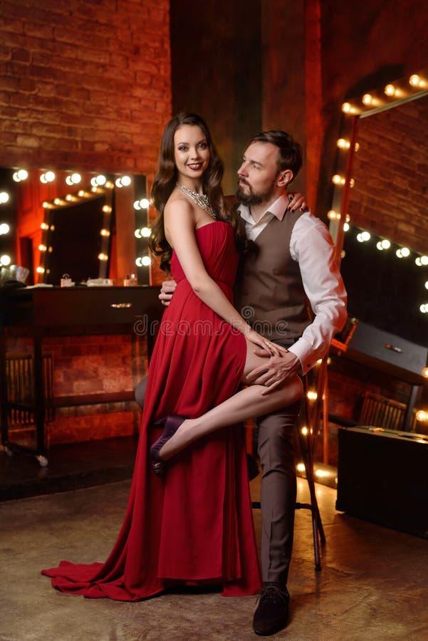 Couples des acteurs dans le vestiaire photographie stock libre de droits