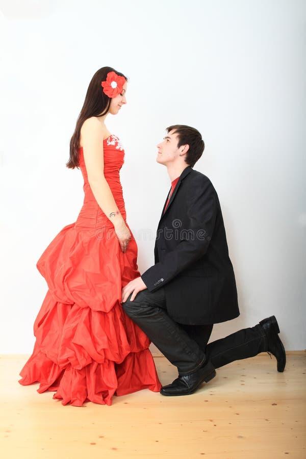 Couples des amants dans le lien noir image stock