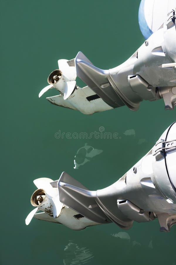 Couples des moteurs extérieurs photographie stock libre de droits
