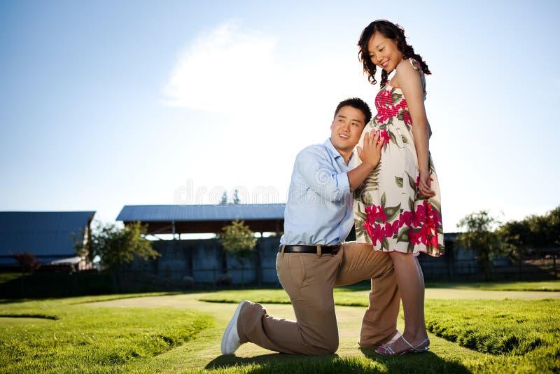 Couples enceintes photo stock