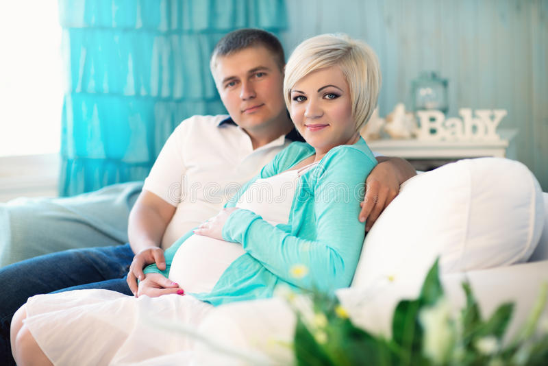 Couples enceintes photos libres de droits