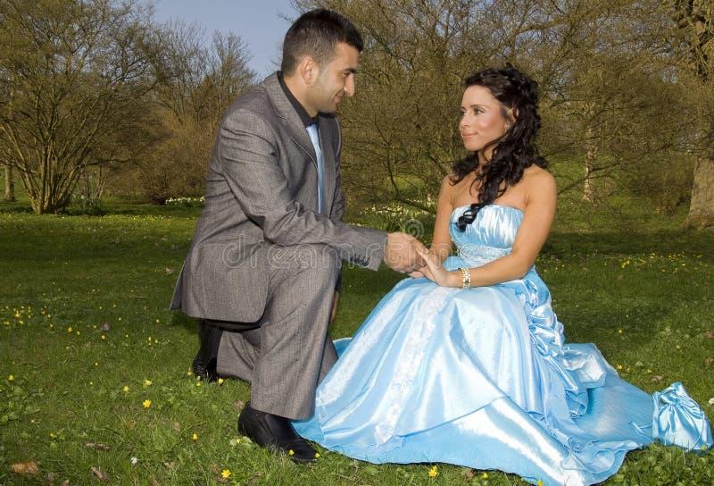 Couples ethniques de mariage d'enclenchement de Turkisk photographie stock libre de droits