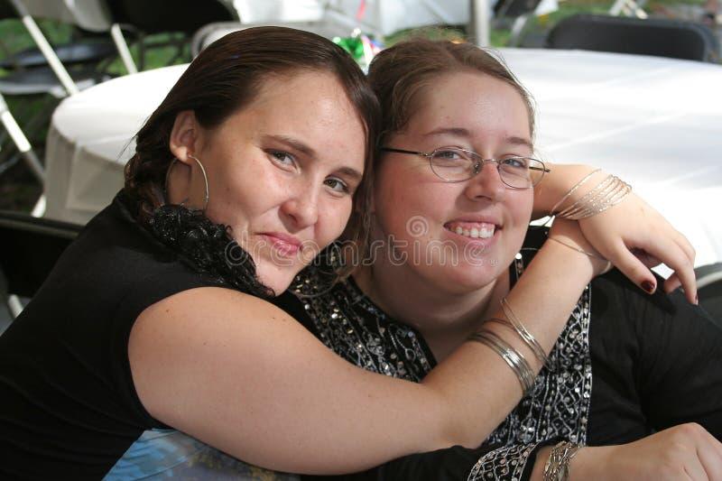 Couples femelles à la célébration photographie stock