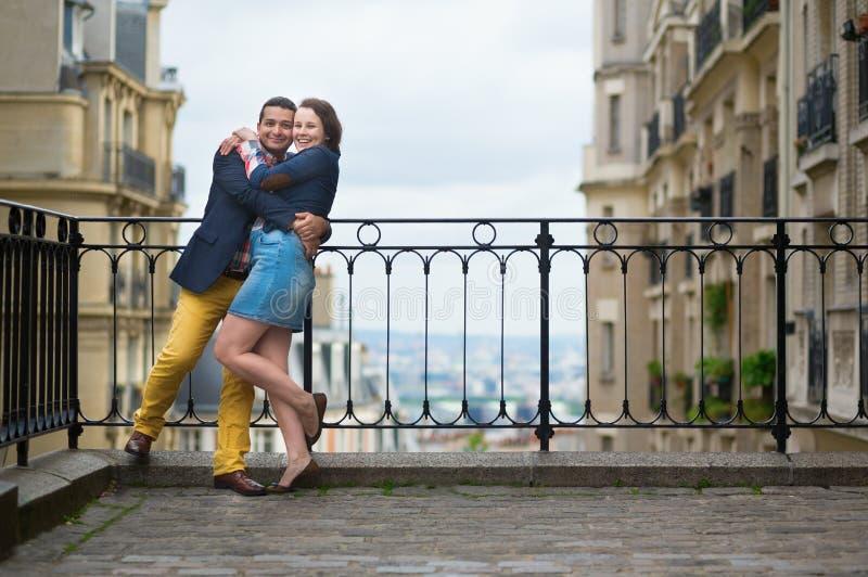 Couples gais sur Montmartre image stock