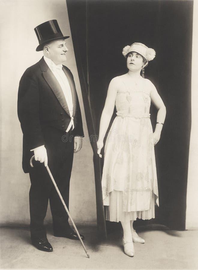 Couples habillés pendant une nuit  photo libre de droits