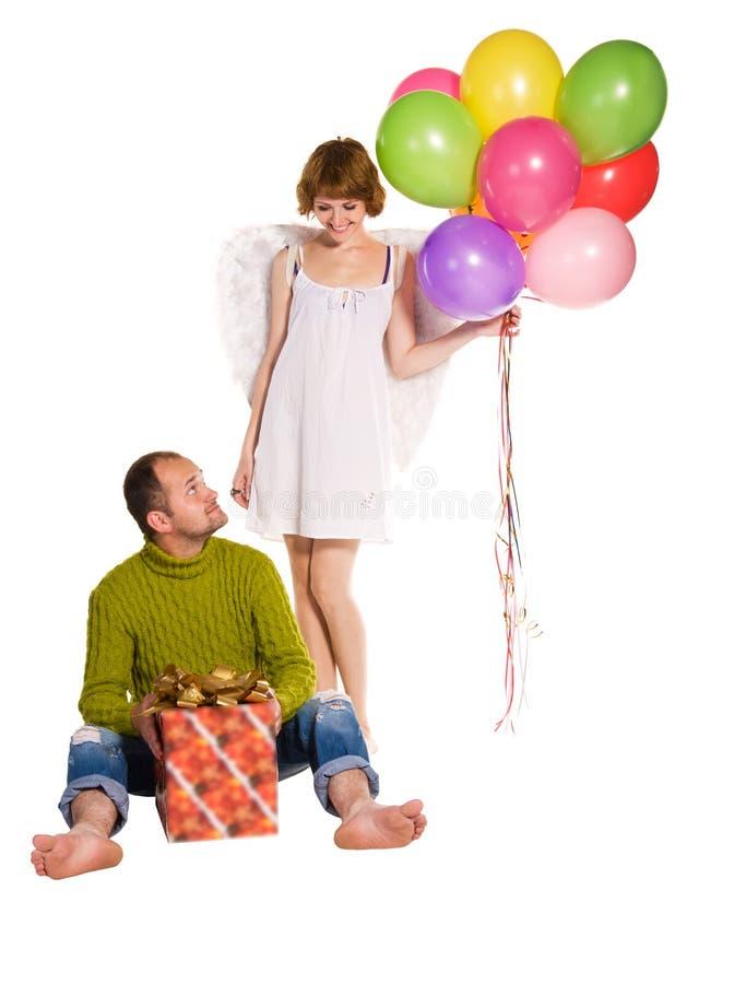 Couples heureux célébrant des vacances images stock