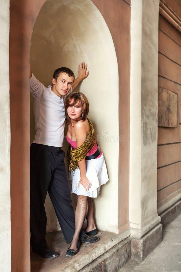 Couples heureux ensemble image libre de droits