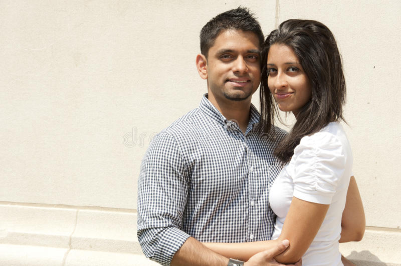 Couples indiens heureux image stock
