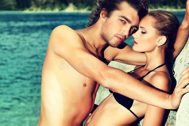 Couples passionnés photographie stock libre de droits