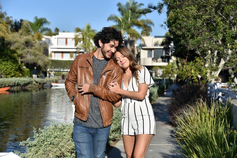 Couples romantiques des vacances photo stock