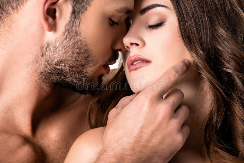 couples sensuels acctractive d'isolement photos stock