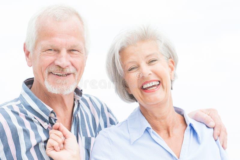 Couples supérieurs heureux photo stock