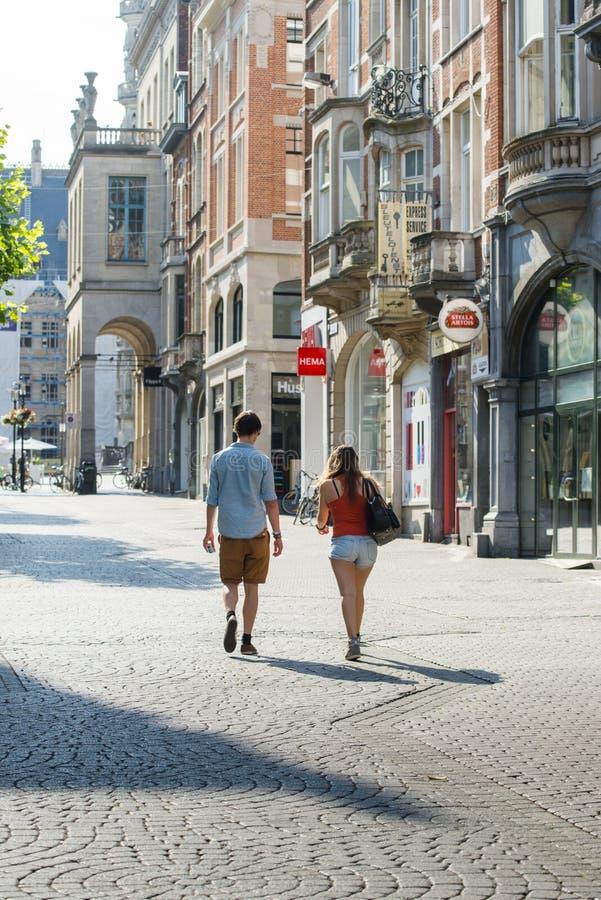 Couples sur la rue photographie stock