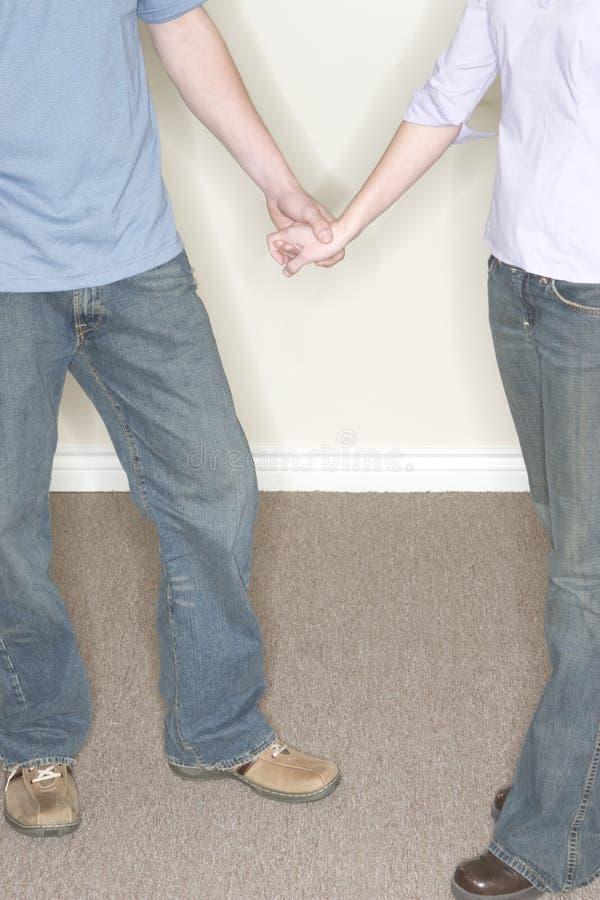 Couples tenant des mains photo libre de droits
