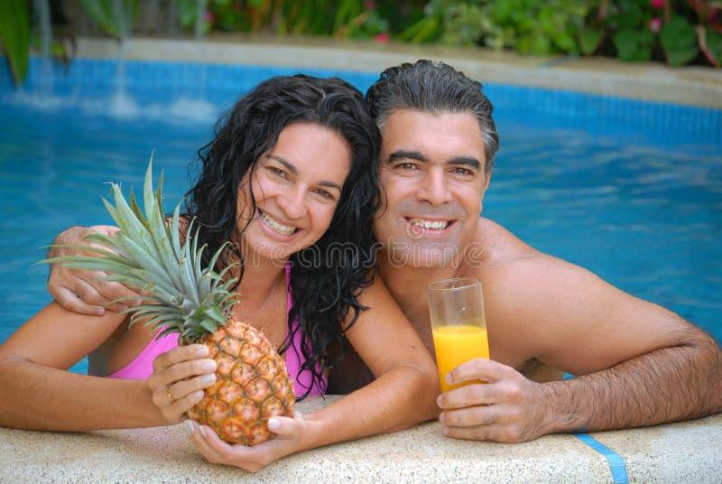 Couples tropicaux. photos stock