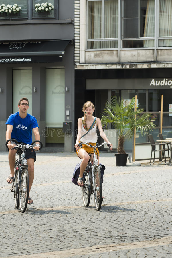 Couples urbains photographie stock libre de droits
