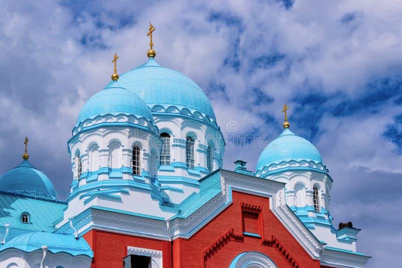Coupoles de monastère Carélie de Valaam en Russie Il est situé sur une île, sur le lac Lagoda photographie stock libre de droits