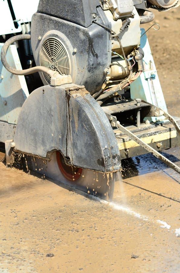 Coupure d'asphalte images stock