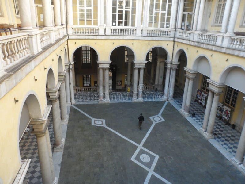 Cour à l'université de Gênes photo stock