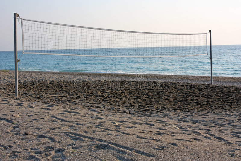 Cour de volleyball de plage images libres de droits