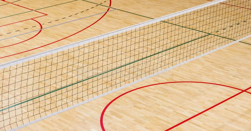 Cour de volleyball professionnelle vide Sport d'équipe photos stock