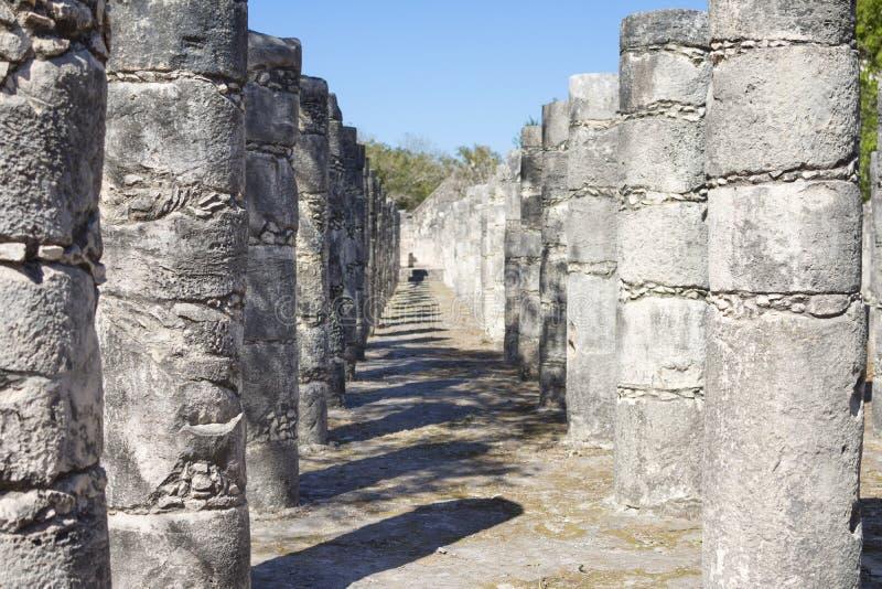 Cour des mille colonnes chez Chichen Itza photo stock