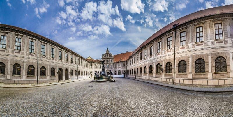 Cour historique à l'intérieur du Residenz à Munich photographie stock
