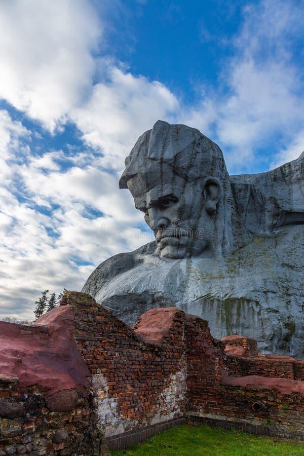 Courage de monument dans la forteresse de Brest, Belarus photographie stock