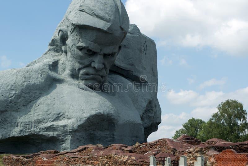Courage de monument dans la forteresse de Brest. image libre de droits