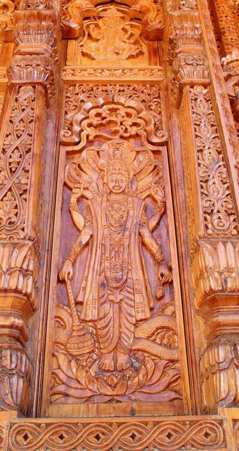 Courber le travail dans Temple-4 photo stock