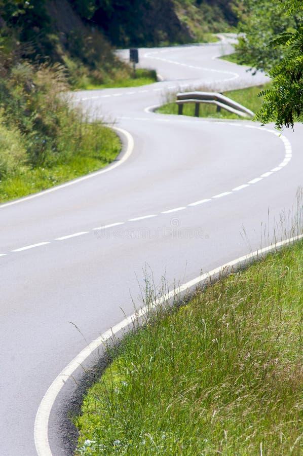 Courbes dans la route images stock