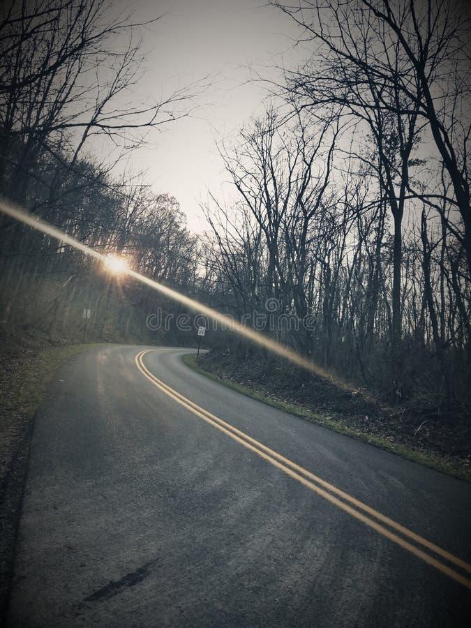 Courbure dans la route photos libres de droits
