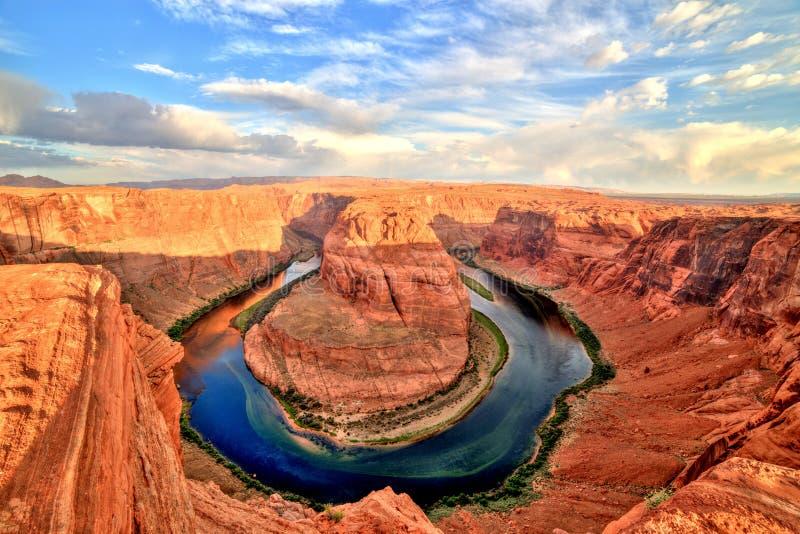 Courbure en fer à cheval sur le fleuve Colorado au lever de soleil, Utah photographie stock