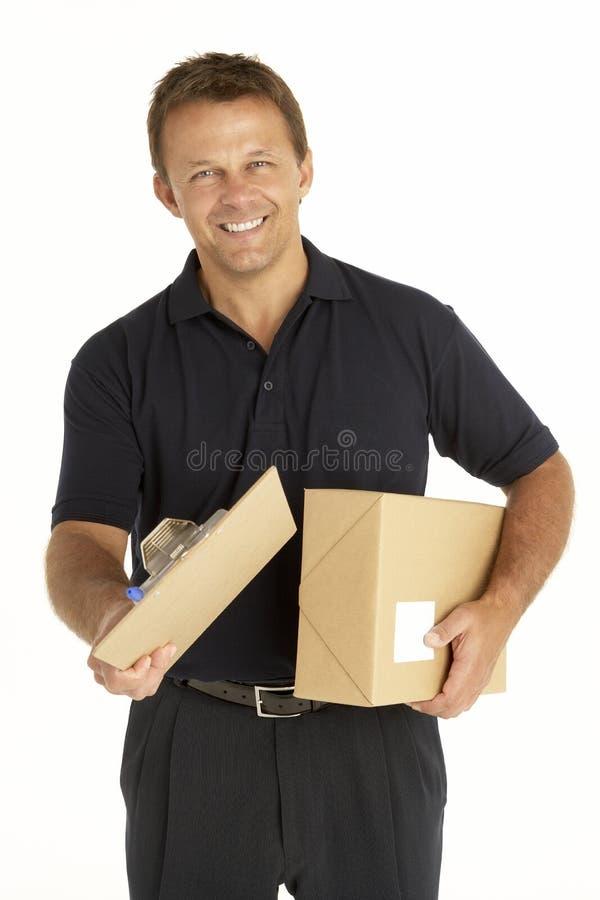Courier retenant en fonction une planchette images stock