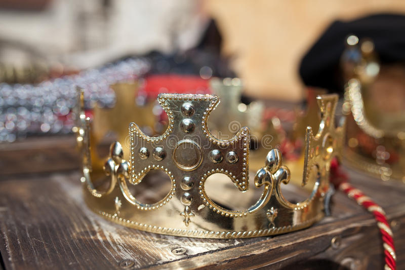 Couronne d'or images stock