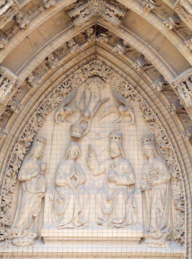 Couronnement de la Vierge images libres de droits
