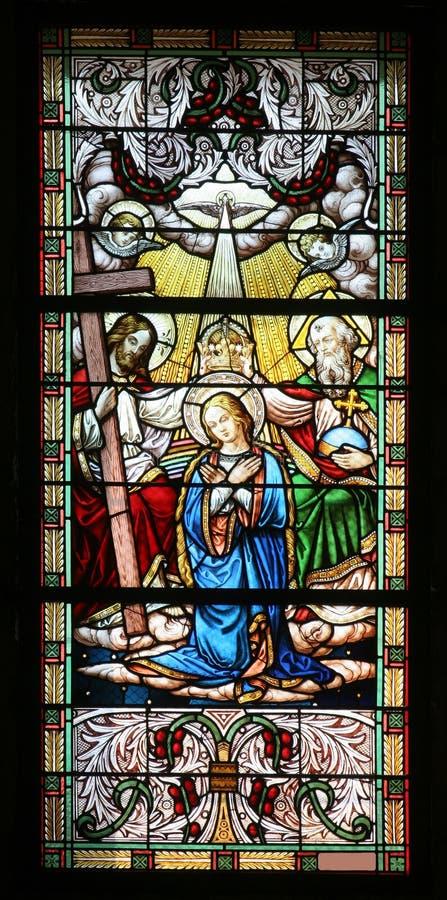 Couronnement de Mary images libres de droits