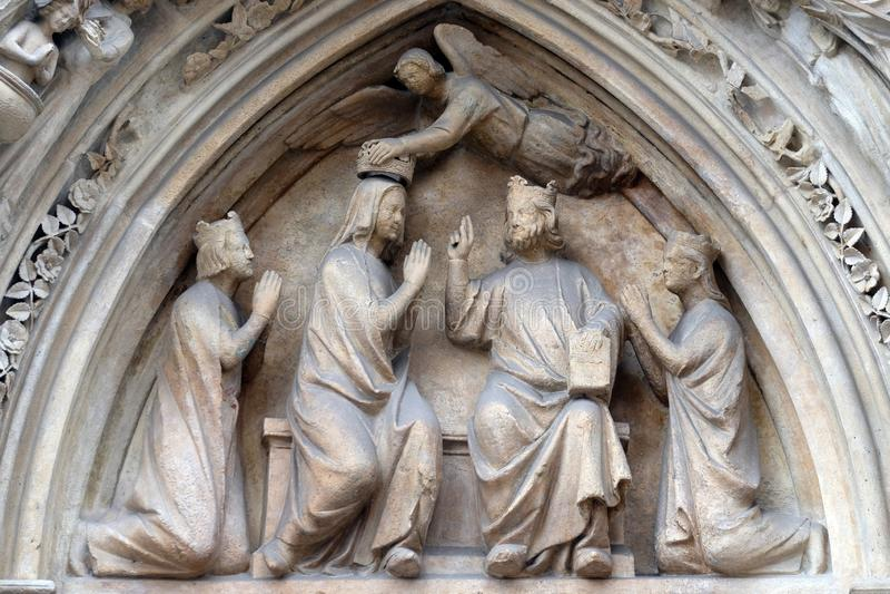 Couronnement de Vierge Marie, Notre Dame Cathedral, Paris images libres de droits