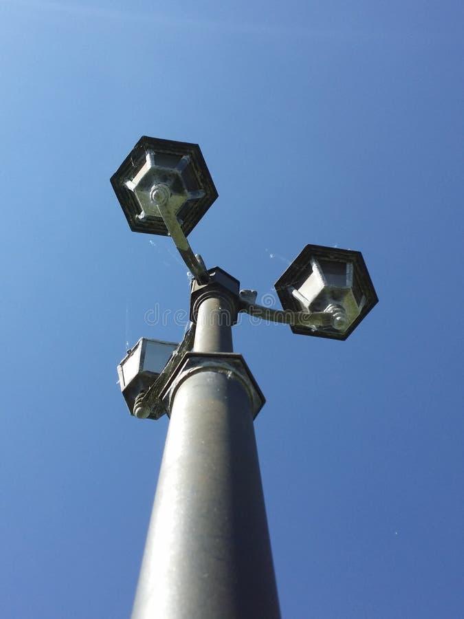 Courrier de lampe dans le ciel photo libre de droits