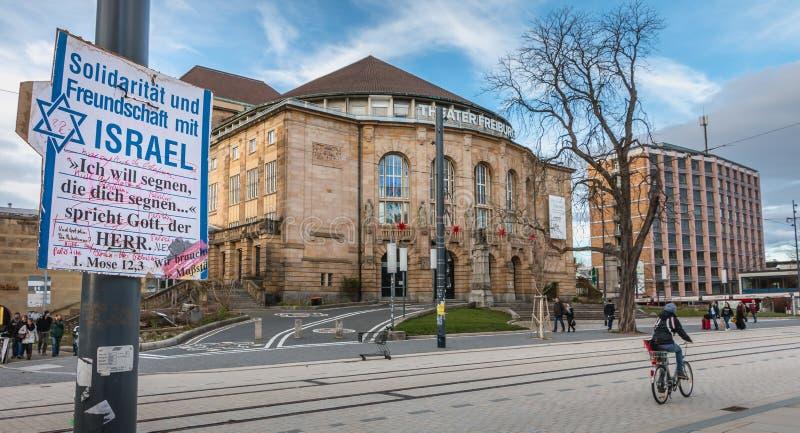 Courrier où on lui écrit en allemand - la solidarité et l'amitié W photos stock