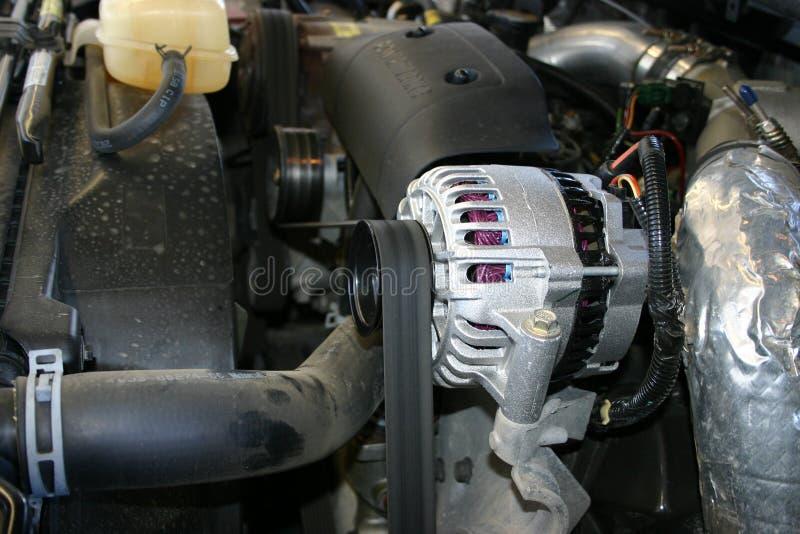 Courroie de ventilateur et altenator photographie stock libre de droits