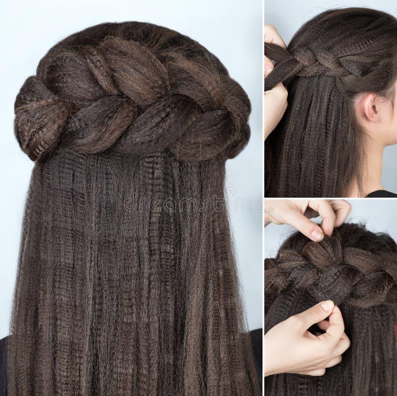 Cours à la mode de coiffure de tresse de moitié- image libre de droits