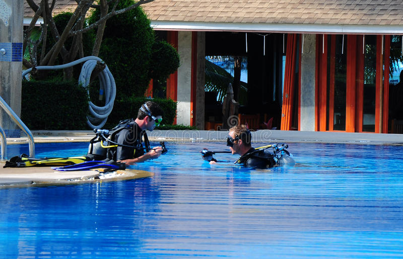 Cours de plongée image libre de droits