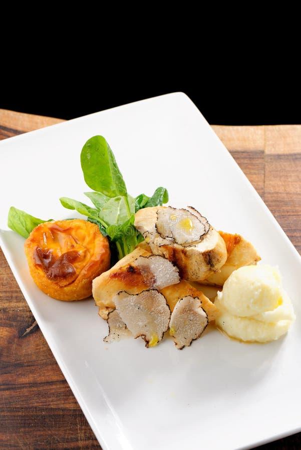 Cours dinant fin de courrier, blanc de poulet grillé photos libres de droits