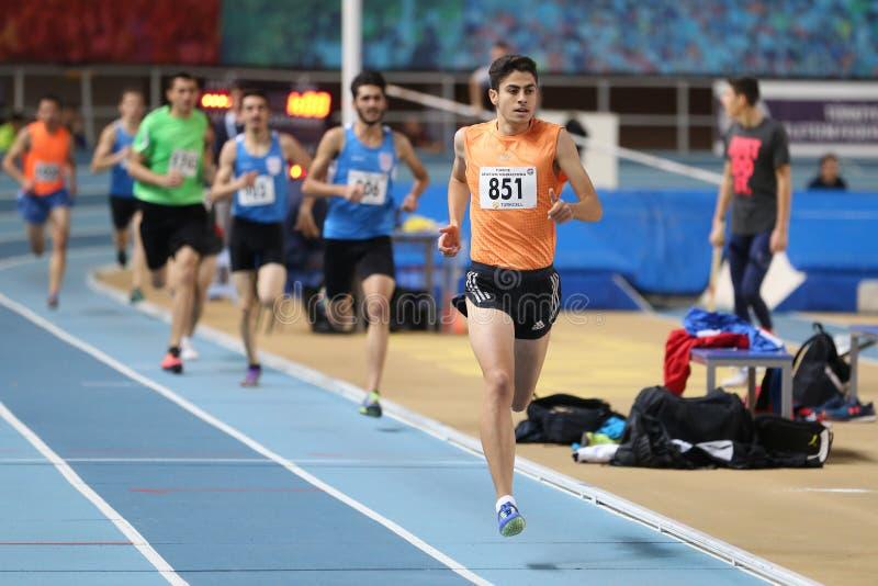 Course d'intérieur de tentative de disque d'athlétisme de fédération sportive turque photographie stock