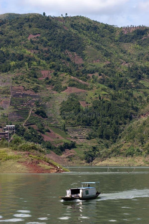 Course de fleuve de Yang Tsé Kiang de bateau de taxi de l'eau de Peapod, Chine images libres de droits
