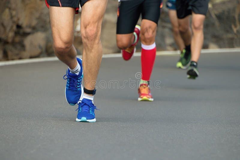 Course de marathoniens images libres de droits