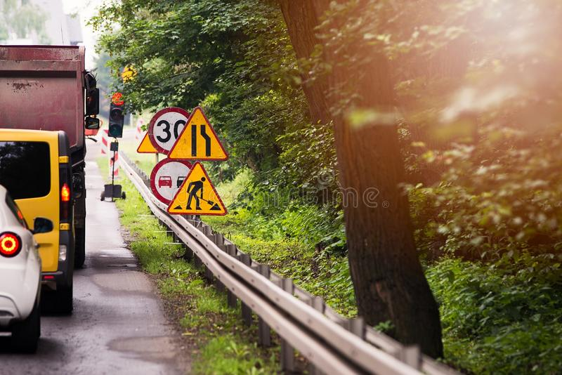 Course sur route d'été Renouvellement de route photographie stock